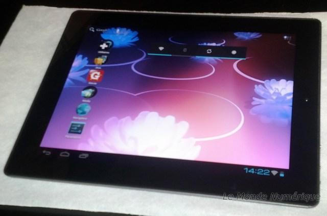 it partners 2012 memup d voile une tablette de 9 7 pouces. Black Bedroom Furniture Sets. Home Design Ideas