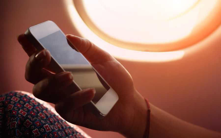 les-smartphones-et-tablettes-officiellement-autorises-dans-les-avions