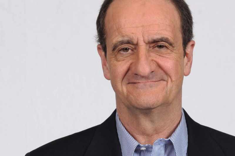 Pierre Lescure veut instaurer une taxe sur les smartphones et supprimer HADOPI