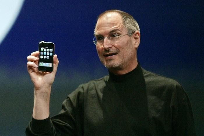 steve jobs premier iphone