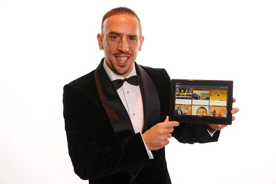 Franck-Ribery-avec-une-tablette-930x620