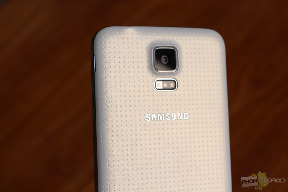 la sortie du galaxy s5 sera retardée à cause de la production de son capteur photo