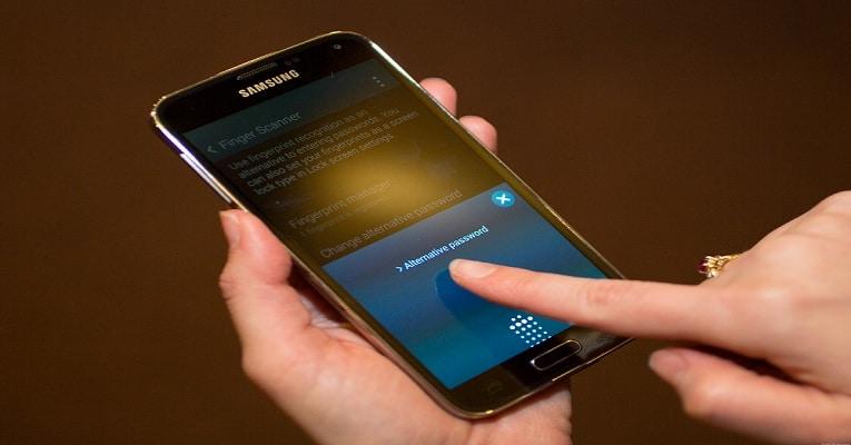 samsung-veut-des-lecteurs-empreintes-digitales-et-iris-sur-tous-ses-appareils