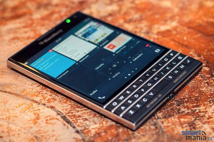 blackberry passport dimensions