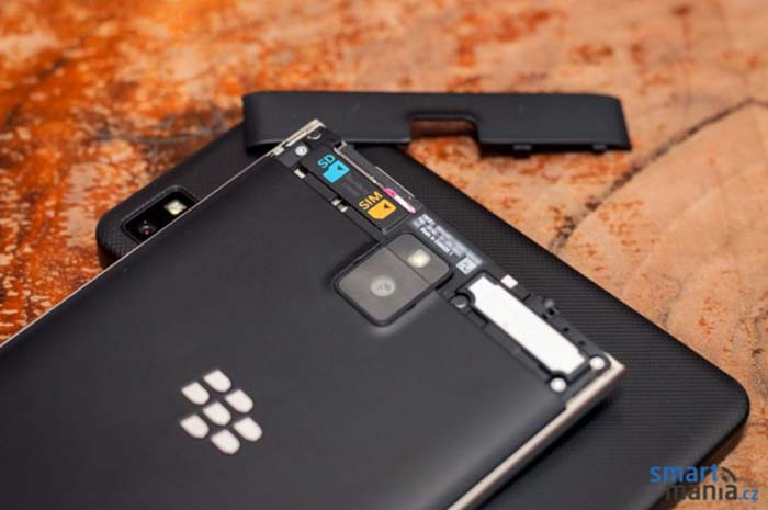 blackberry passport microsd