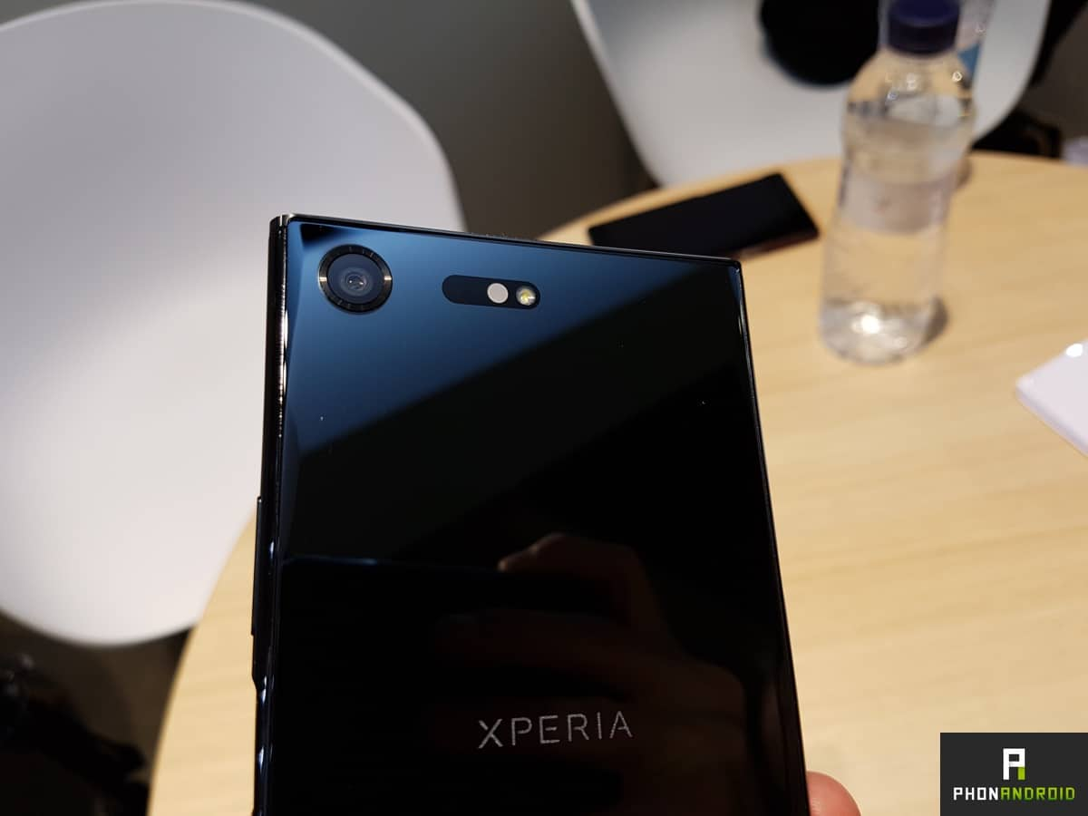 sony xperia xz premium photo