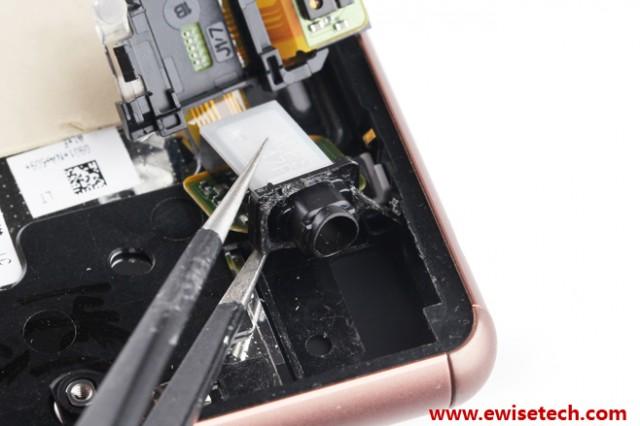 démontage du Sony Xperia Z3