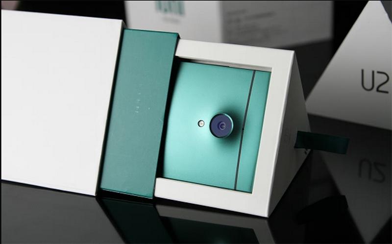 IUNI U2 150 euros 3 Go RAM