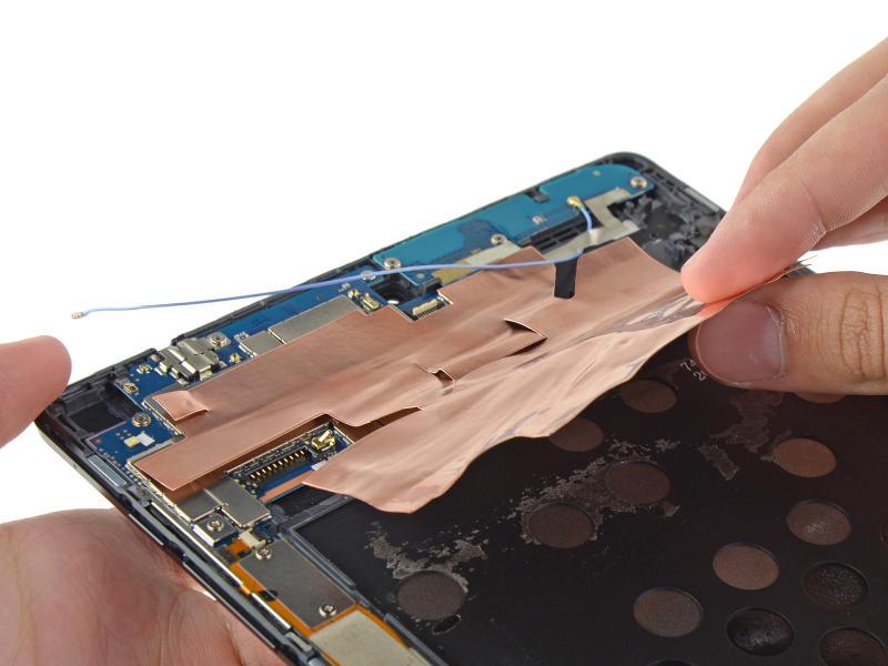 Nexus 9 démontage de l'antenne WiFi