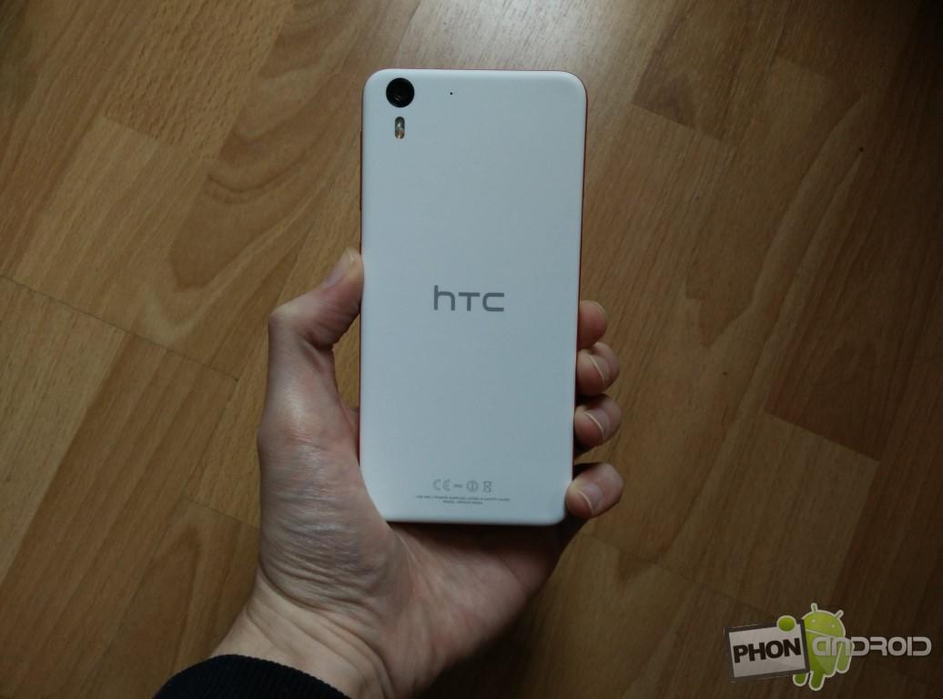 Test HTC Desire Eye coque arrière en plastique