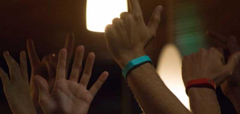 Trak, un bracelet connecté pour la bande-son de vos soirées
