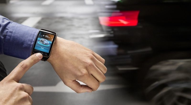 bmw smartwatch parc assist