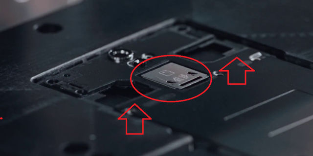 OnePlus 2 avec un port microSD et le double SIM ?