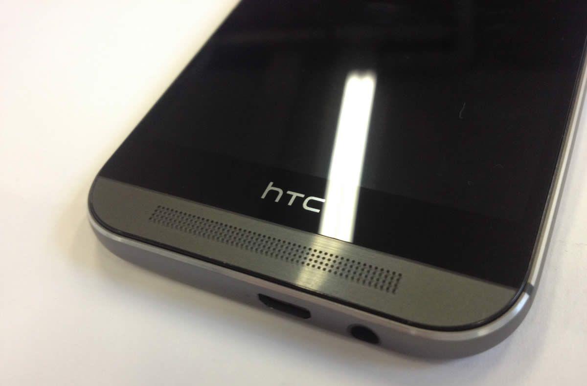 HTC One M8 bande noire