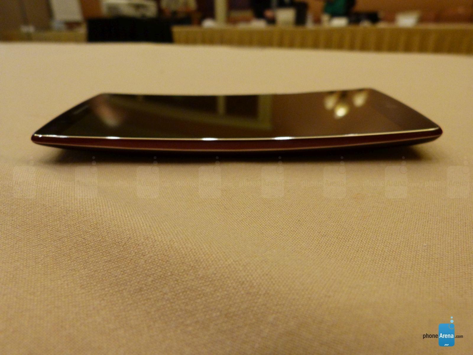 LG G Flex 2, une diagonale contenue