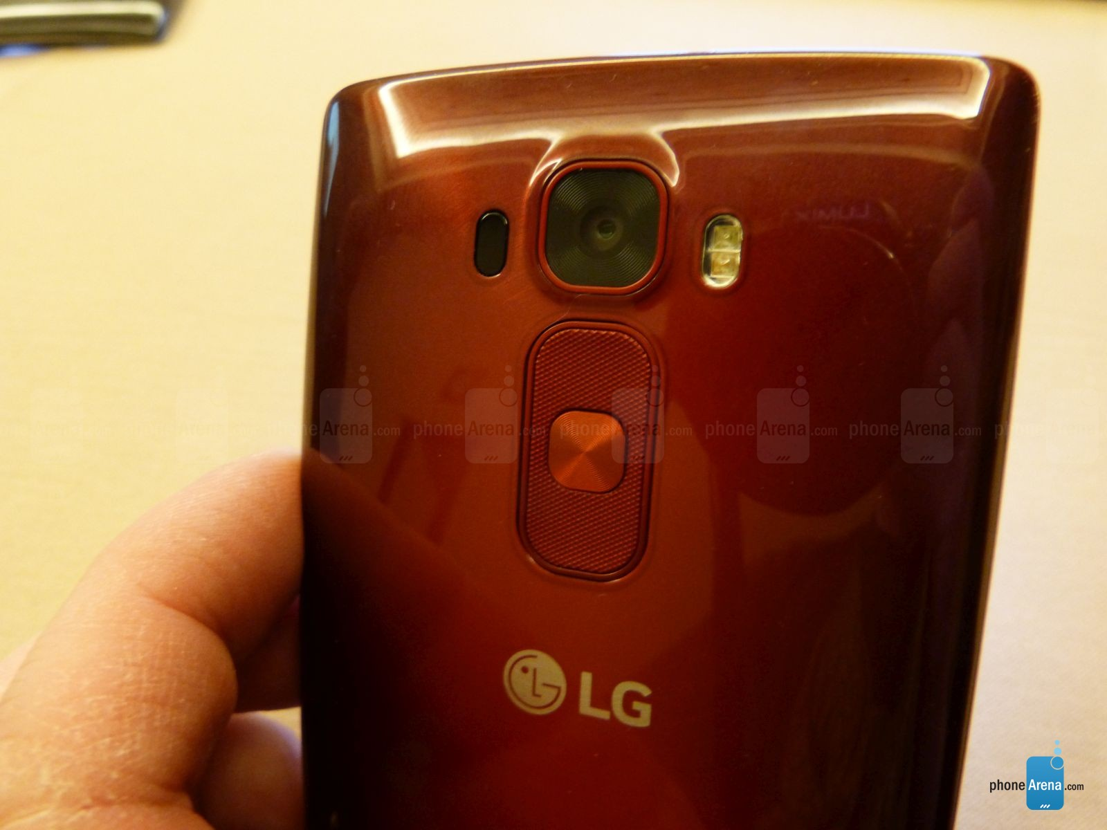 LG G Flex 2 en rouge