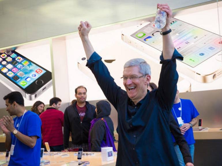 apple explose tous records malgre critiques