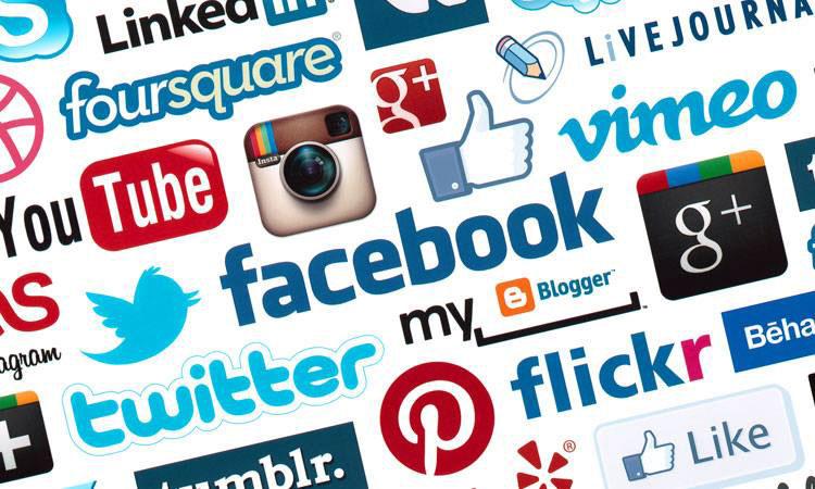 gouvernement charlie hebdo lutte réseaux sociaux