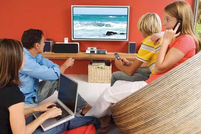 francais nuls reseaux sociaux information actualites preferent tele