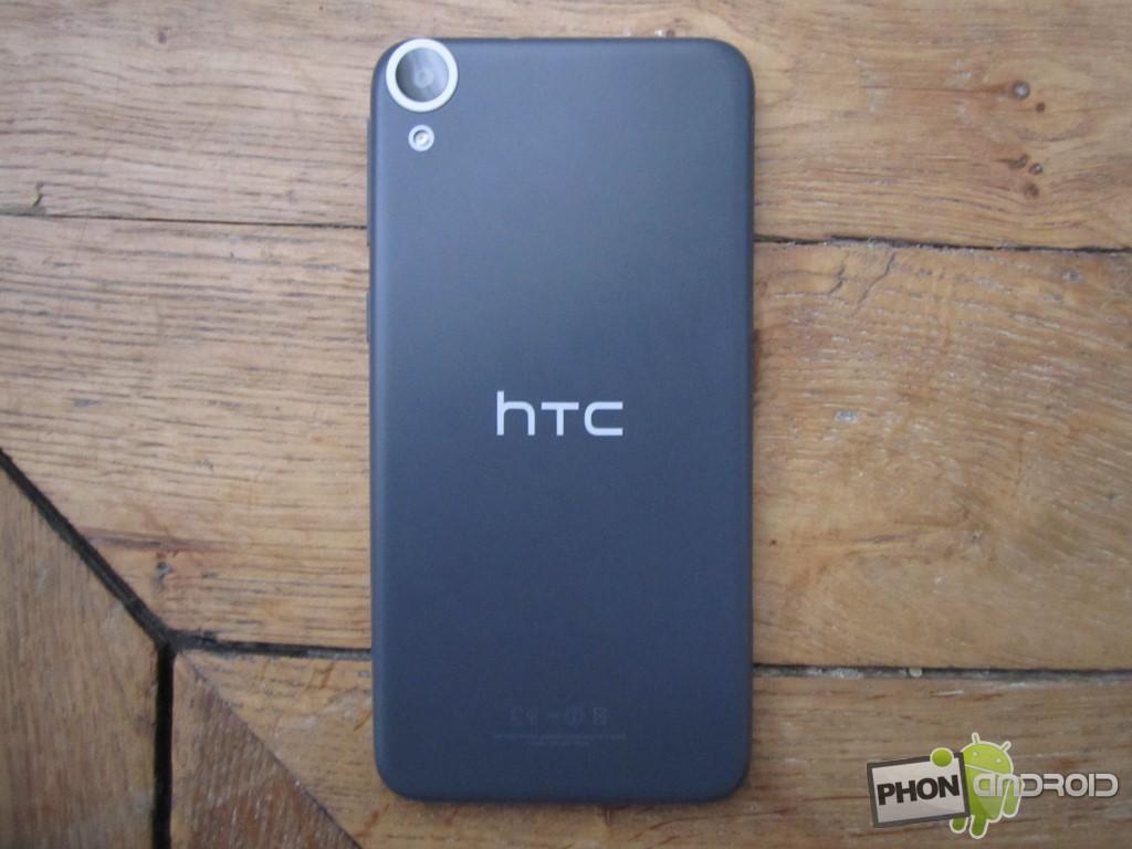 HTC Desire 820, avec port carte SD