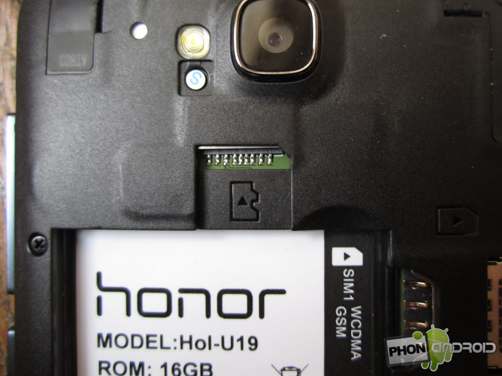 Huawei Honor Holly avec slot micro SD