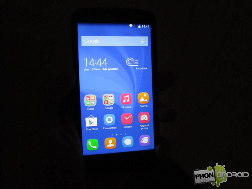 Huawei Honor Holly avec utilisation dans l'obscurité