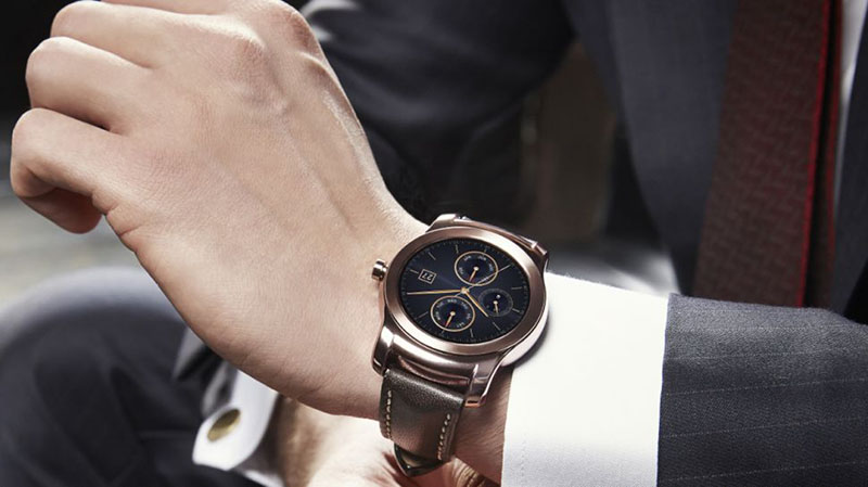 lg watch urbane plus chere apple watch