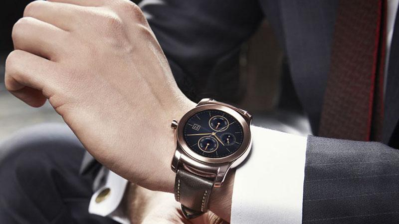 lg watch urbane plus chere apple watch