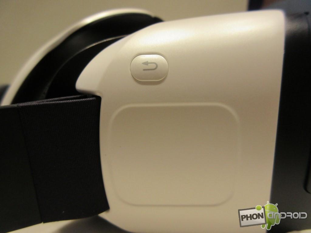 Samsung Gear VR, le pavé tactile en détail