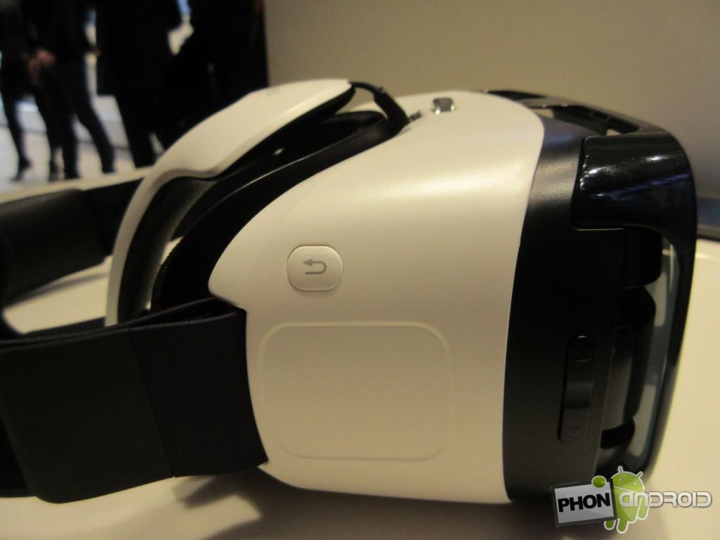Samsung Gear VR, le pavé tactile et le bouton de retour