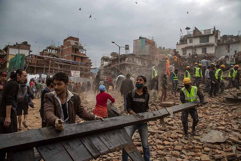facebook recolte 12 millions dollars dons victimes seisme nepal