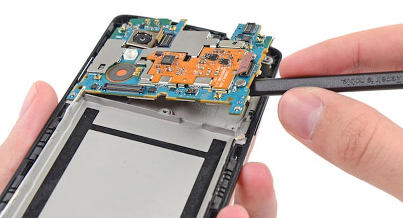 composants smartphones soleil