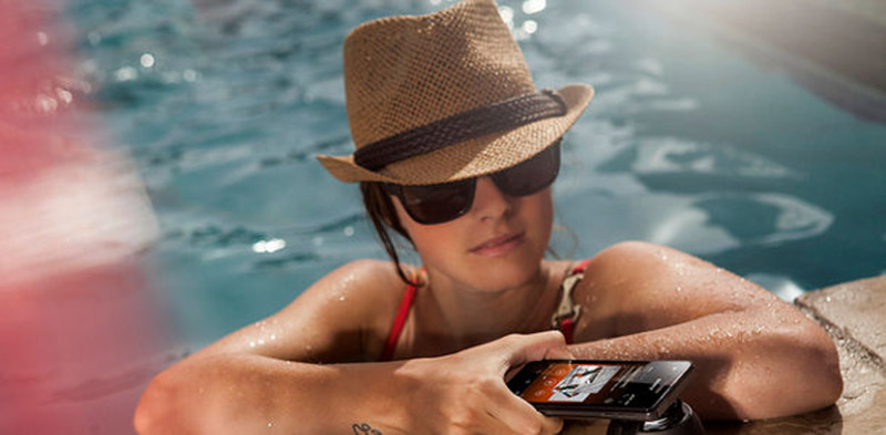 smartphone ecran soleil