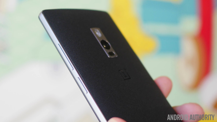 Comparatif OnePlus One OnePlus Two dos