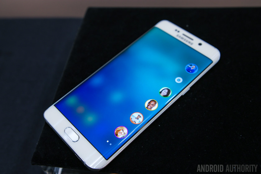 Samsung Galaxy S6 Edge Plus Prise main 10