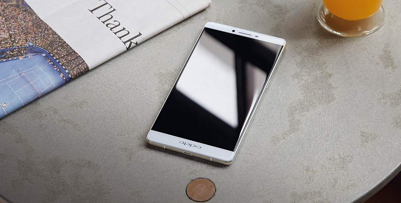 Oppo R7 Plus table
