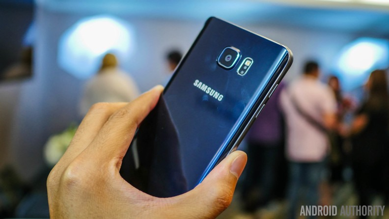 samsung-galaxy-note-5-first-look-aa-15-of-41-792x446 (Copier)