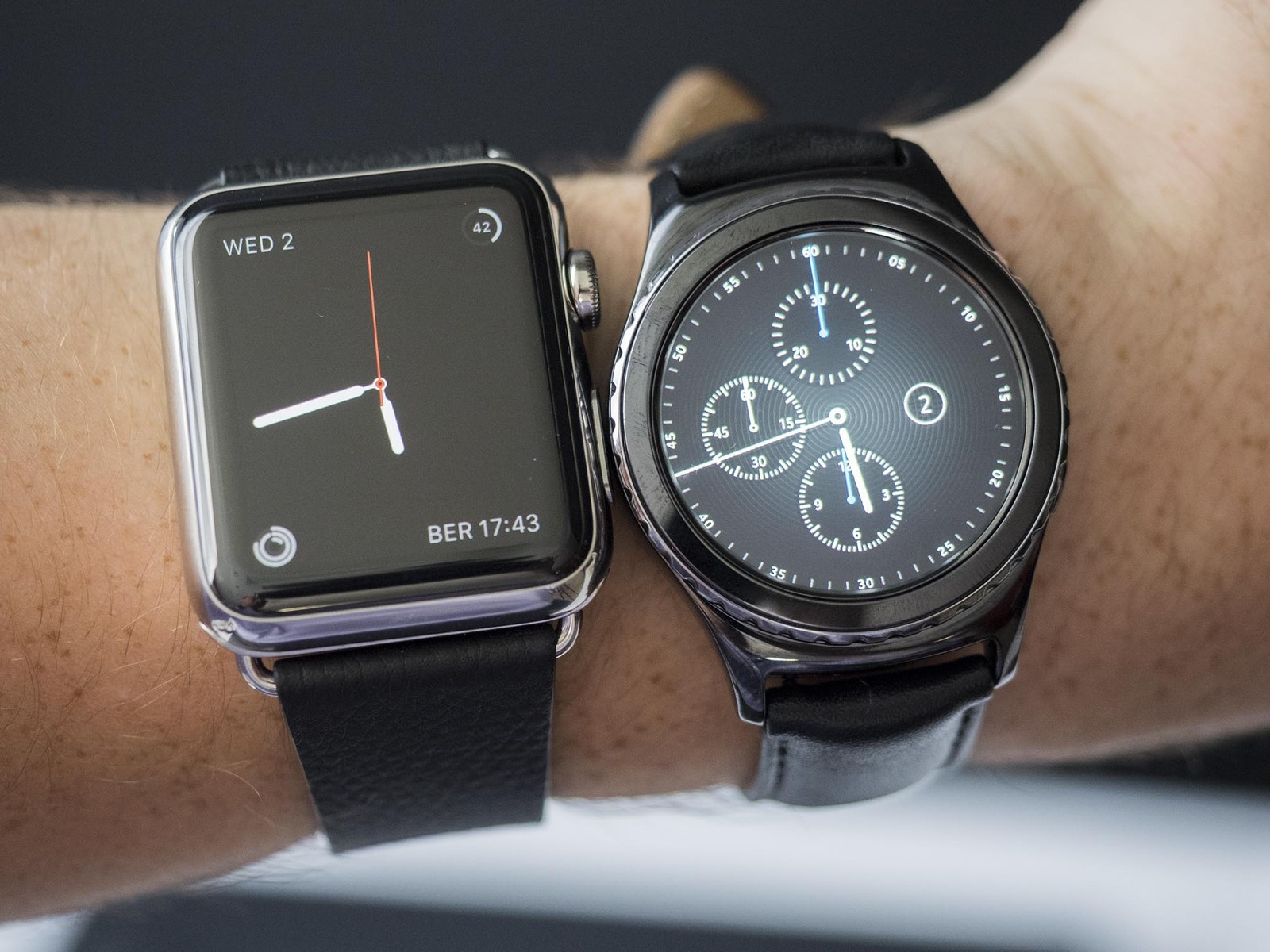 comparatif samsung gear s2 vs apple watch