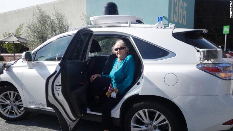 mamie 97 ans google car