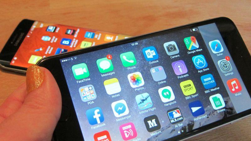 iPhone amoled samsung