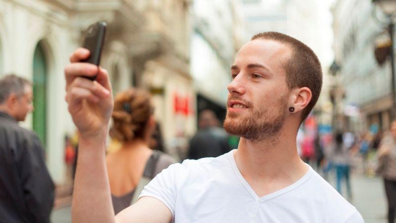 jeune smartphone