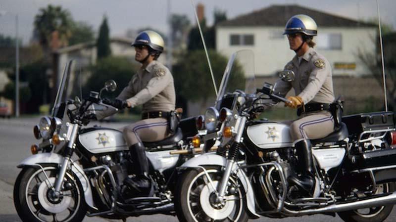 voiture sans chauffeur google arretee police