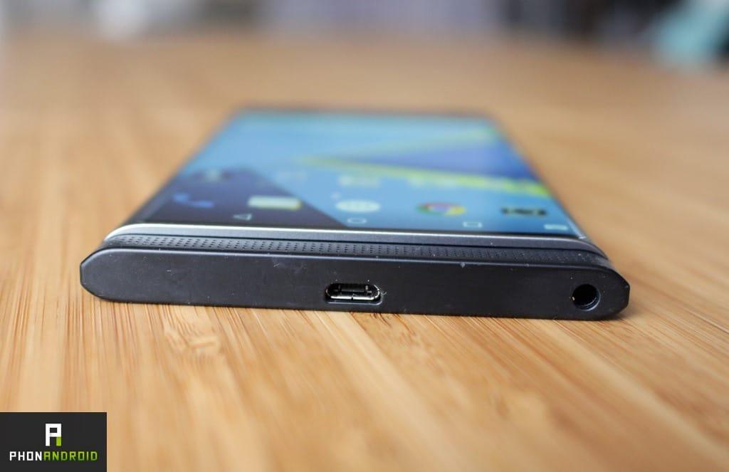 blackberry-priv-micro-usb