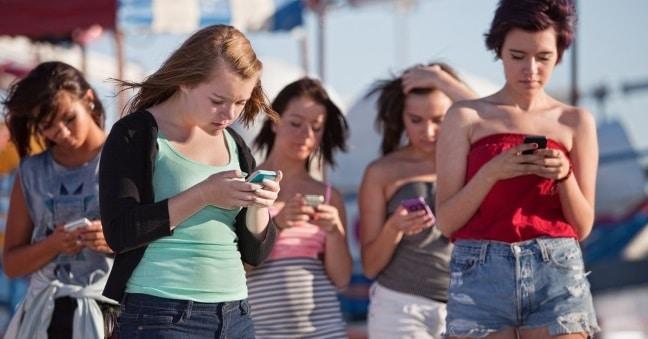 jeunes smartphones