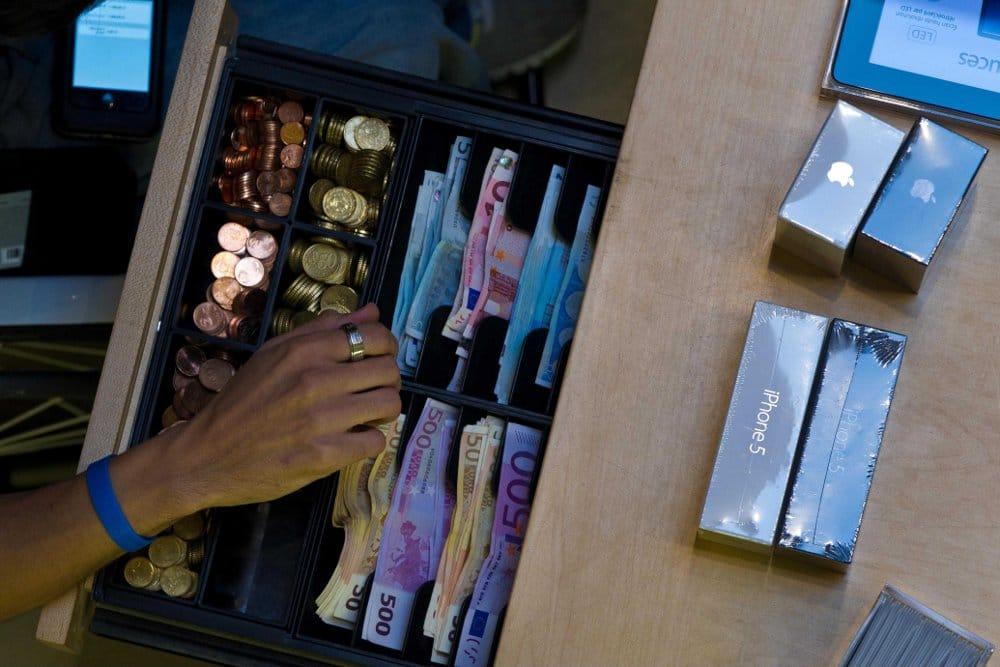 Apple pourrait rembourser 8 milliards d 39 euros d 39 imp ts non pay s - Caisse apple ...