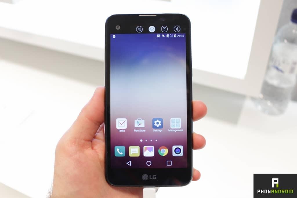 LG X Screen avant