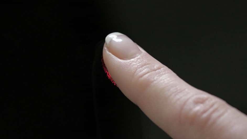 scanner-empreinte-digitale-sous-verre