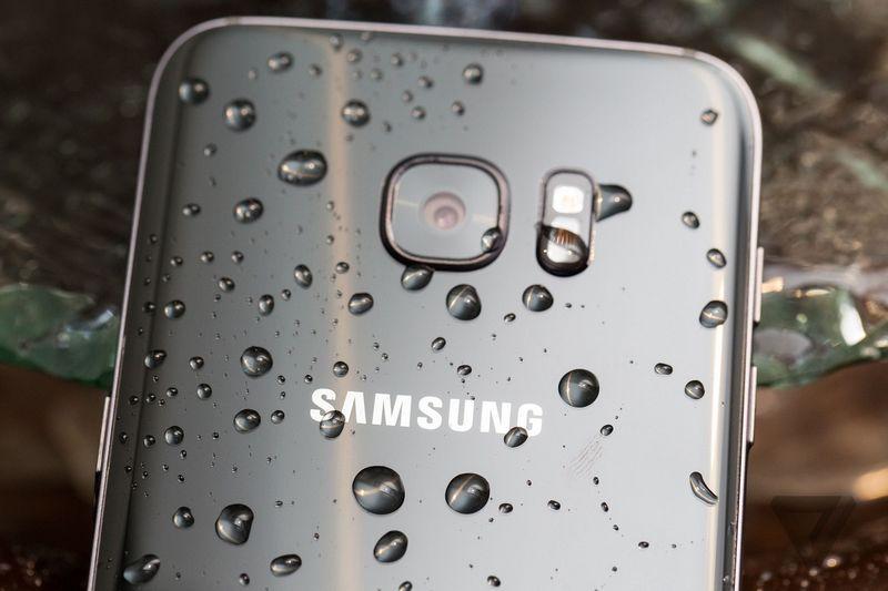 galaxy-S7-edge-test-waterproof