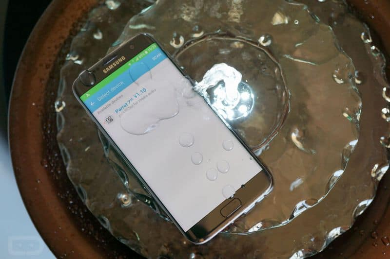 http://img.phonandroid.com/2016/03/galaxy-s7-waterproof.jpg