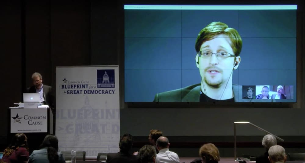 snowden-conference-apple-fbi